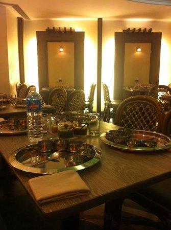 Hotel Fidalgo: bhojan