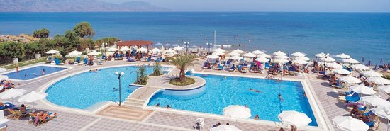 Hydramis Palace Beach Resort: SWIMMING POOL / BEACH