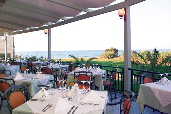 Hydramis Palace Beach Resort: RESTAURANT