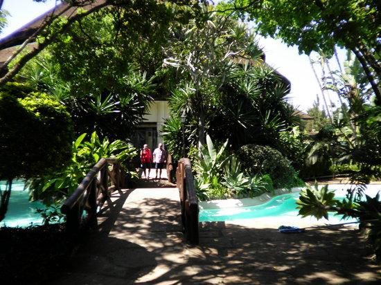 Safari Park Hotel: Gardens