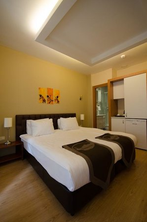 Taksim Plussuite Hotel: Big bed