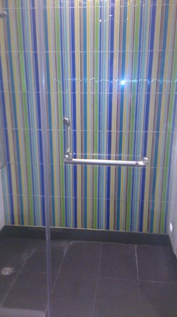 Aloft Bangkok - Sukhumvit 11:                   The shower. That wallpaper...