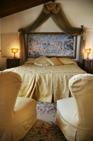 San Crispino Historical Mansion: Frate Sole