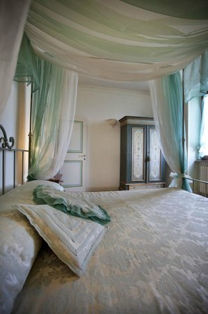 San Crispino Historical Mansion: Sora Acqua