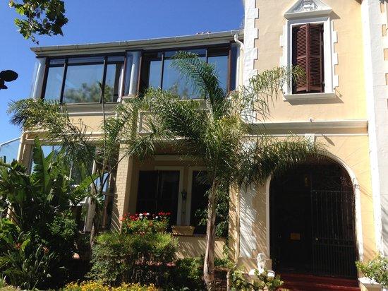 Carmichael Guesthouse:                   guesthouse