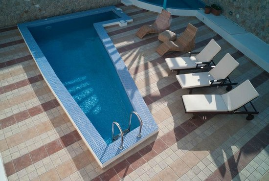 Villa Rose: pool area