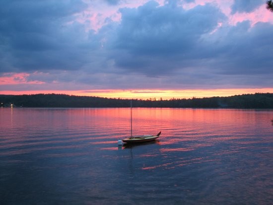 Camp Skoglund :                                     SUNSET ON THE LAKE