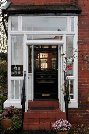 Abbey Lodge: Entrance
