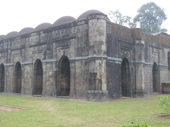 Malda, Ινδία:                   Baroduari Mosque