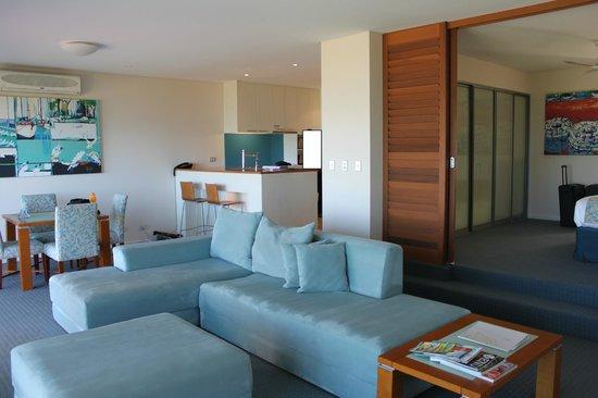 Seashells Mandurah :                   Living & Dining area