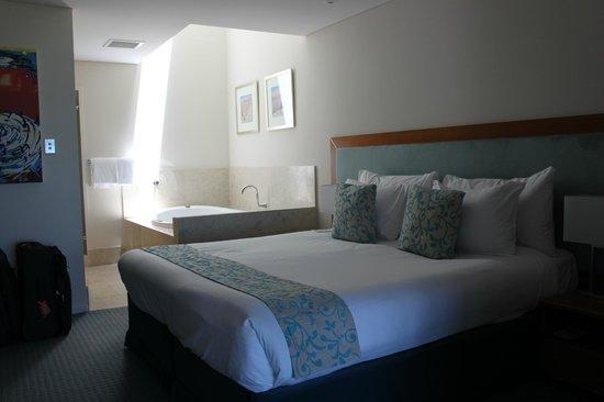 Seashells Mandurah :                   Bedroom & open spa
