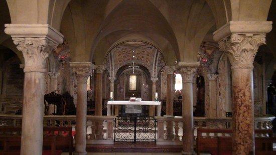 Duomo di Modena-Cripta