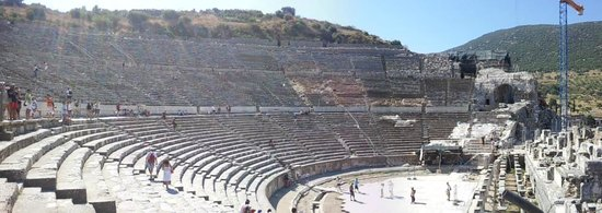 Efesos: Ephesus - The main amphitheatre (all shows in 3D!)