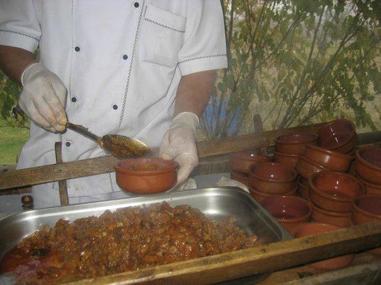 Dede Efendi Kaya Restaurant:                   reparto de la comida
