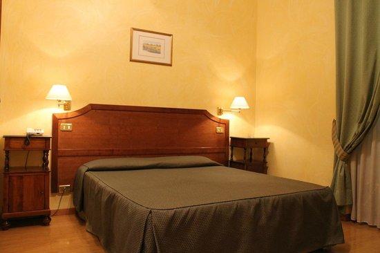 Hotel Fiori.Hotel Fiori 38 6 4 Prices Reviews Rome Italy
