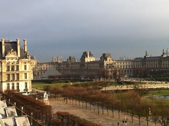 هوتل برايتون: vue de la chambre sur le Louvre