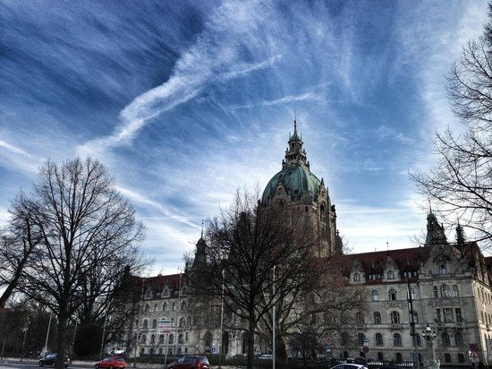 Maritim Grand Hotel Hannover: View of the town hall