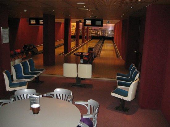 NH Noordwijk Conference Centre Leeuwenhorst:                   bowling kan je er ook hoef je hotel niet uit