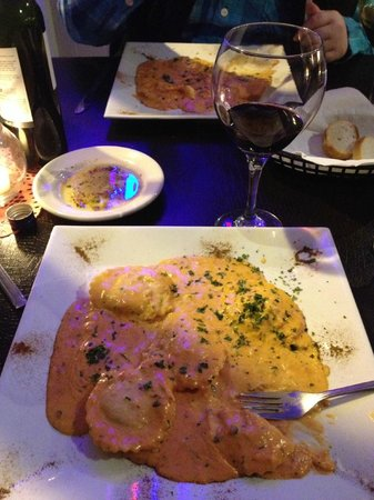 La Dolce Vita Manteo:                   Lobster Ravioli