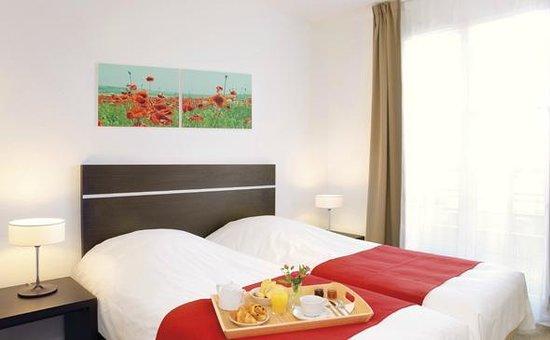 Appart'City Confort Saint Quentin en Yvelines Bois d'Arcy : Park&Suites Village Bois d'Arcy - Twin Room