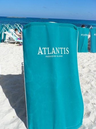 Atlantis, Royal Towers, Autograph Collection: Beach Chairs