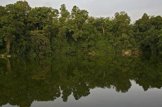 Enfuzi Community Campsite: Lake Nkuruba )Bliharzia-free