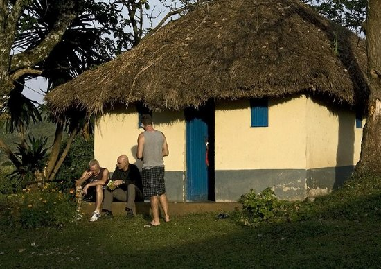 Enfuzi Community Campsite: Banda