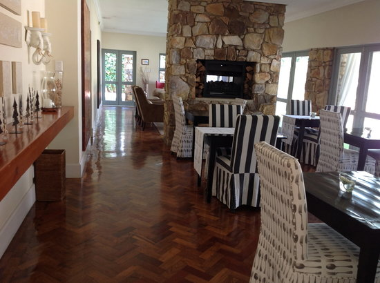 The Parkwood: Breakfast room area