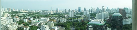 Conrad Bangkok Hotel:                   객실에서 본 파노라마 풍경