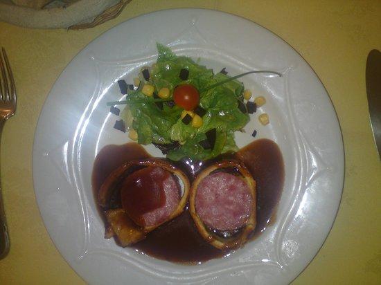 Le Foch :                                     Pork en Croute.