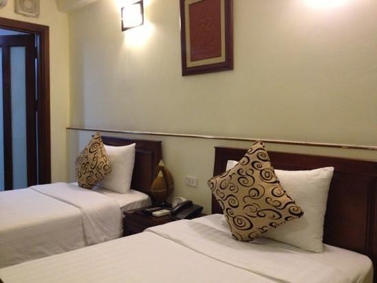 هانوي تشارمنج 2 هوتل:                                     bedroom                                  