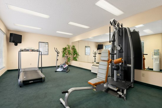 Baymont Inn & Suites Albany at Albany Mall: Fitness Center