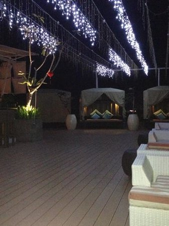 The ONE Legian:                                     Roof sitting area!!!!
