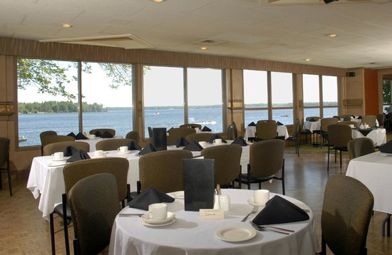 Bayview-Wildwood Restaurant: Lakeside Echo's Dining Lounge