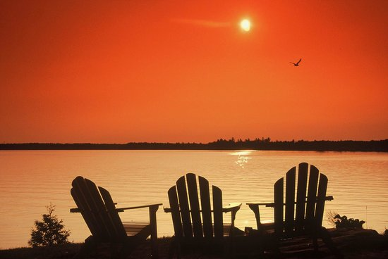 Bayview-Wildwood Restaurant: Sunset over Sparrow Lake