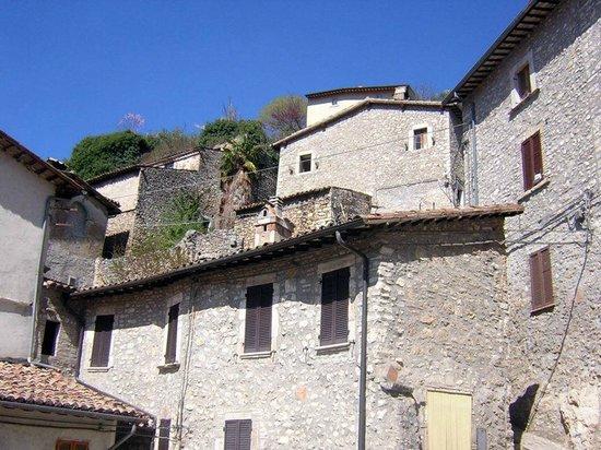 Chiesa di Santo Stefano - Mummie di Ferentillo: Ferentillo, abitazioni di Precetto