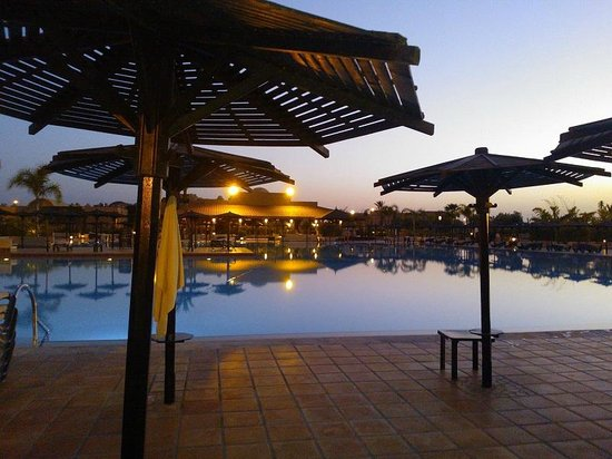 ClubHotel Riu Tikida Palmeraie:                   Outdoor Pool evening