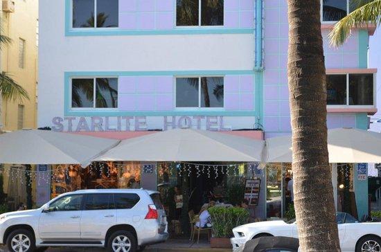 Starlite Hotel:                   faxada hotel