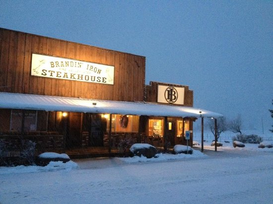 The Brandin' Iron Steakhouse: It looks a lot like Christmas