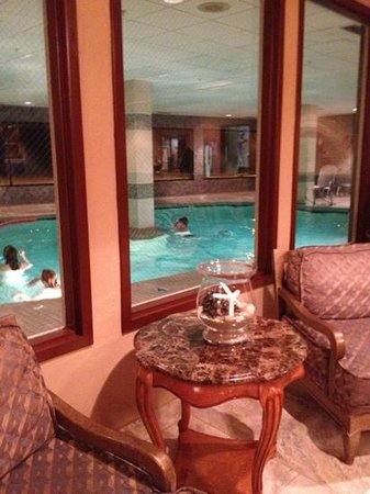 Shilo Inn Suites Hotel - Seaside Oceanfront: pretty indoor pool 2013