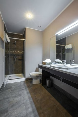 Bontiak Hotel : Bathroom