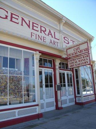Cafe Quackenbush: Historic buildings line the street