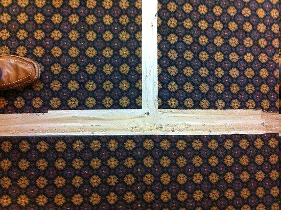 Wessex Hotel:                   Gaffa taped carpet