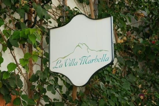 لا فيلا ماربيا:                                     hotel sign                                  