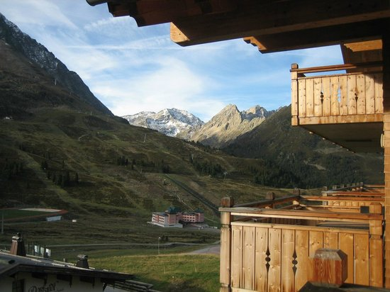 AlpinLodges Kuhtai :                   View from our balcony