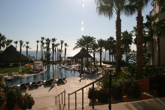 Hilton Los Cabos Beach & Golf Resort:                   Smaller side pool