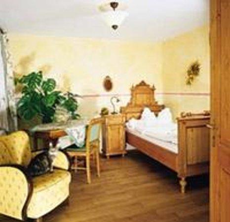 Pension Frankenhof:                                     Gemütlichkeits-Einzelzimmer
