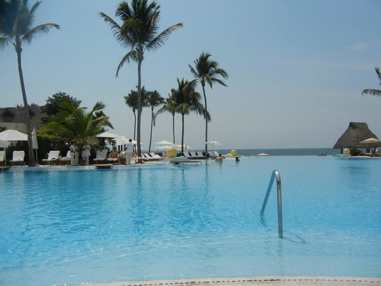 Grand Velas Riviera Nayarit:                   Infinitity Pool