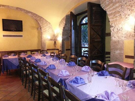 Ristorante La Taverna Del Brigante In Salerno Con Cucina Greca