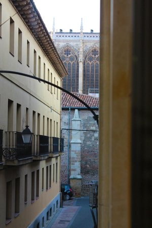 Hostal Casco Antiguo: Vista desde habitación
